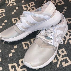 Adidas Tubular White Look Alike Yeezy's W 8.5